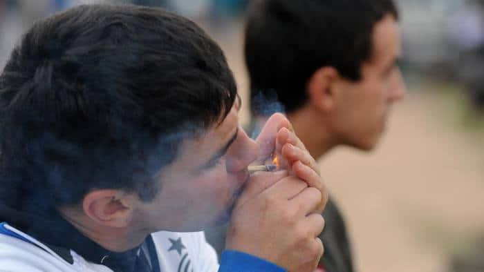 Fumando Maconha no Uruguai