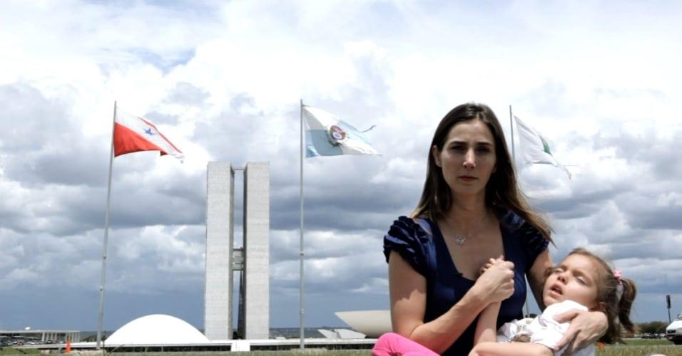 cena do documentário sobre maconha: ilegal - a vida nao espera