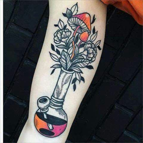 tattoo bong maconha