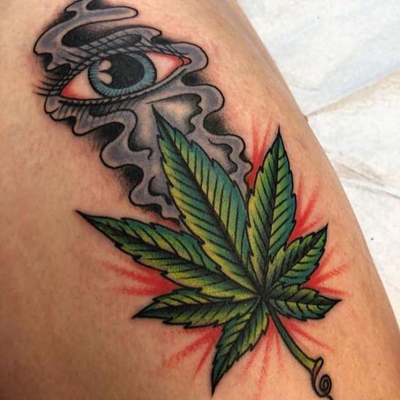 tatuagem maconha colorida