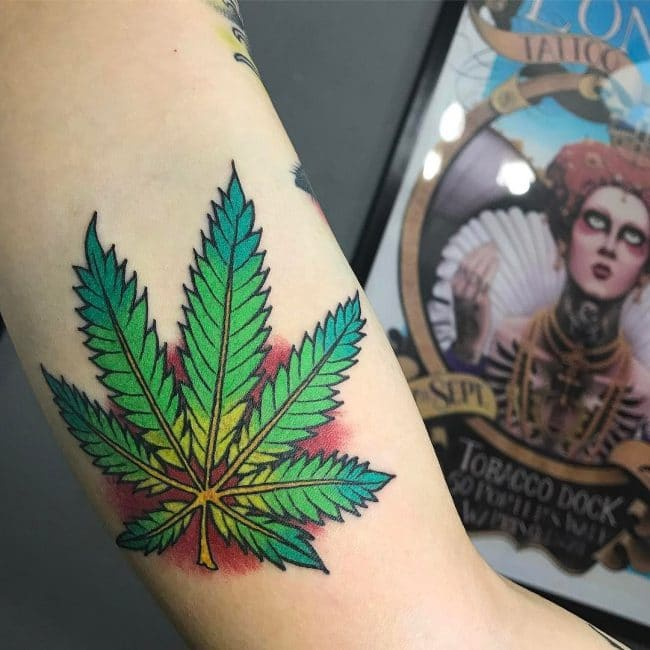 tatuagem folha de maconha old school